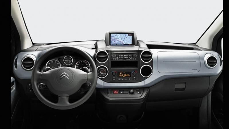 [FACELIFT 2012] Citroën Berlingo [B09] - Page 2 Berlin13
