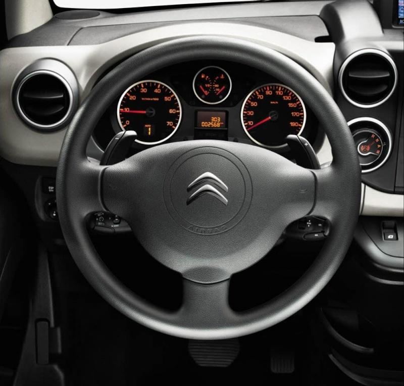 [FACELIFT 2012] Citroën Berlingo [B09] - Page 2 Berlin14