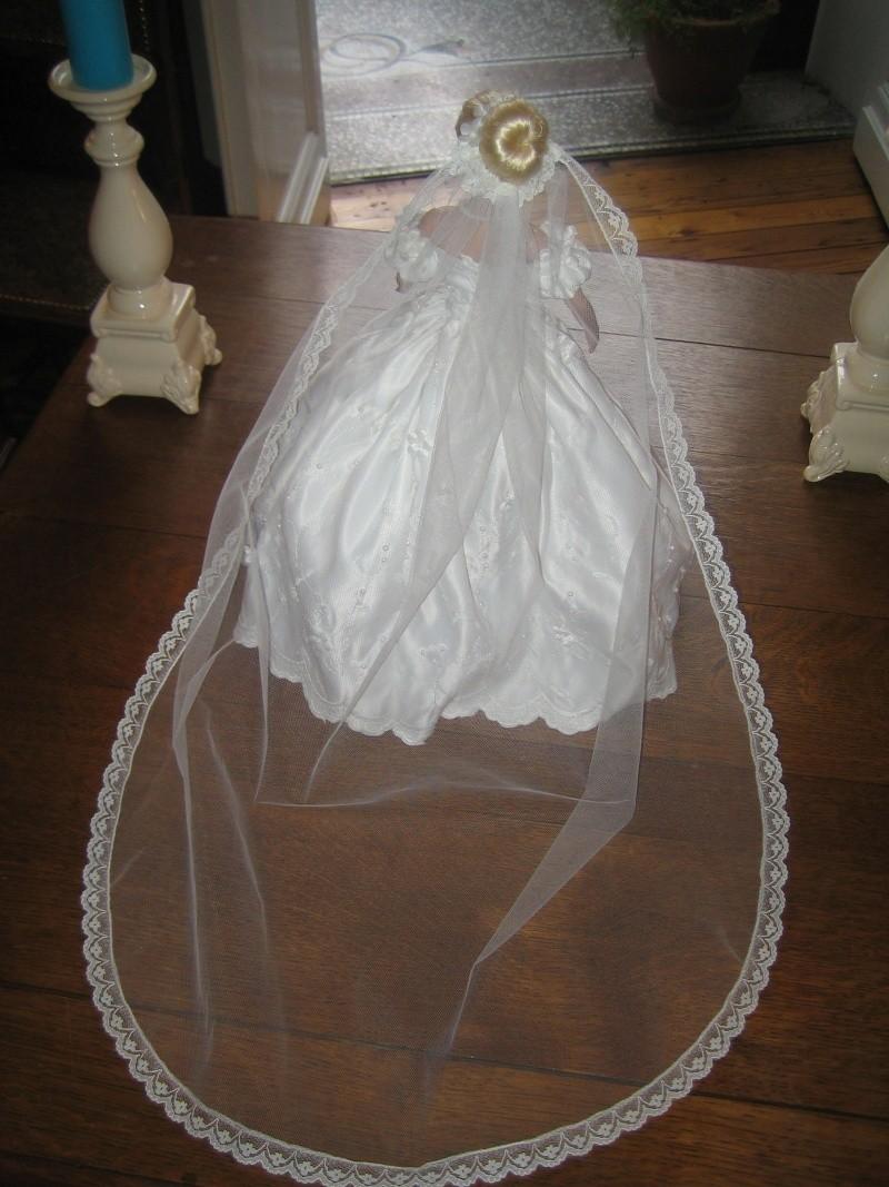Les poupées mariées - Page 3 Robe_d25