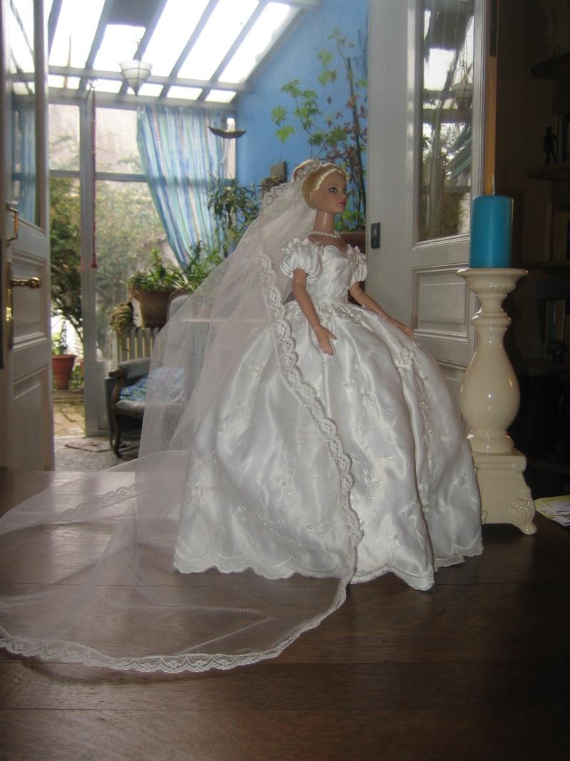 Les poupées mariées - Page 3 Robe_d27