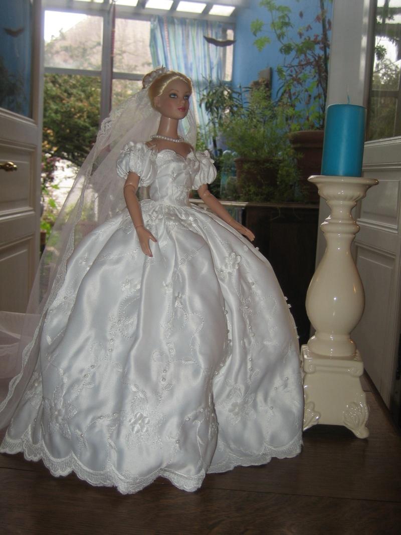 Les poupées mariées - Page 3 Robe_d28