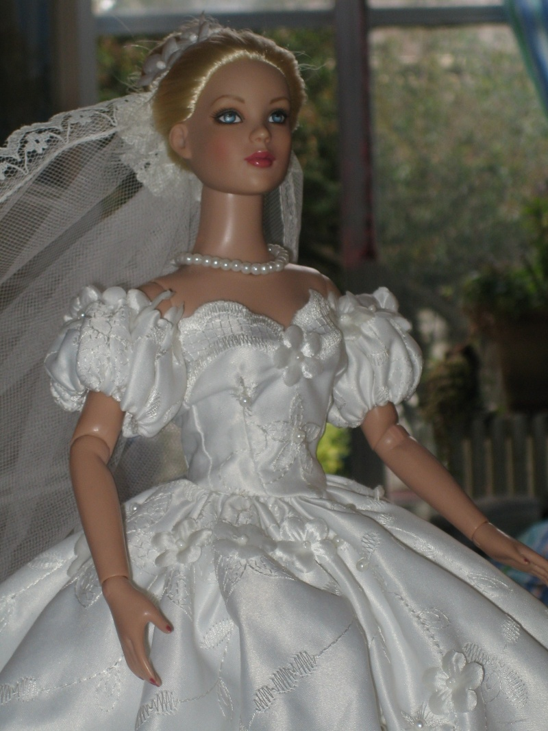 Les poupées mariées - Page 3 Robe_d29