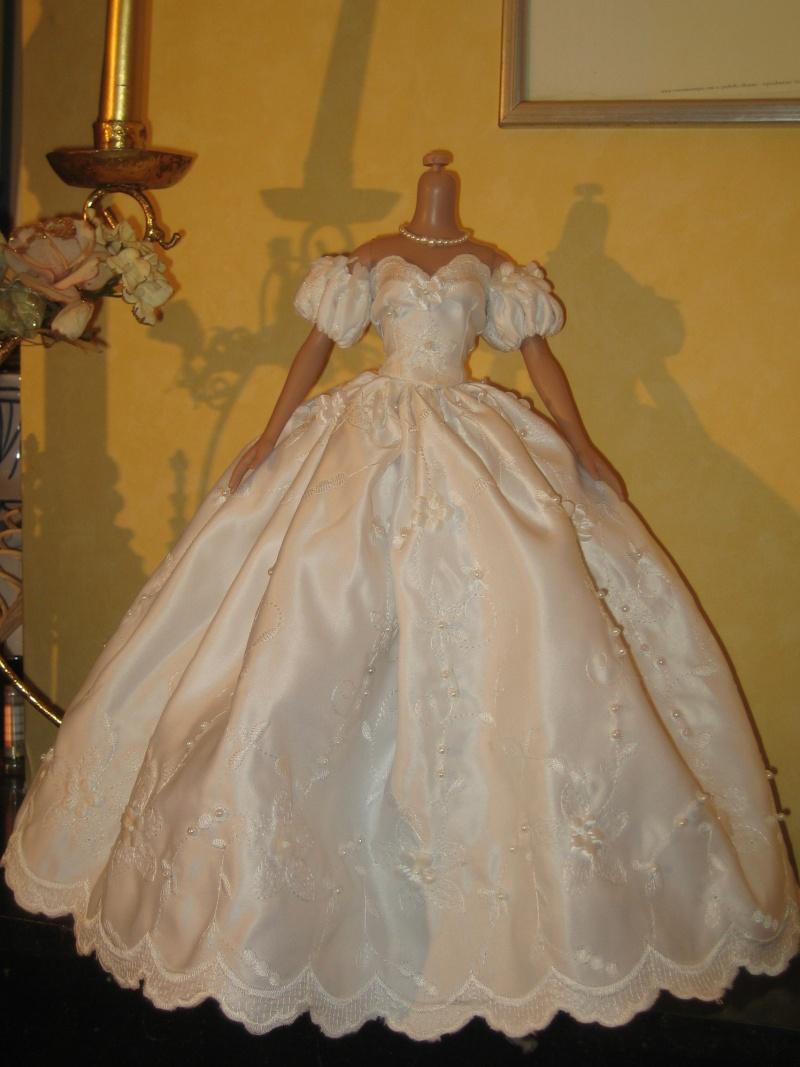 Les poupées mariées - Page 3 Robe_m40