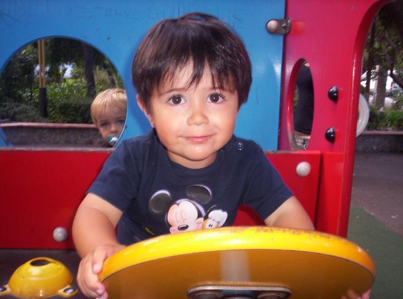 photos du nez de mon fils!!! 102_8310