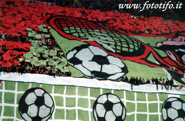 derby italiens - Page 2 20012033