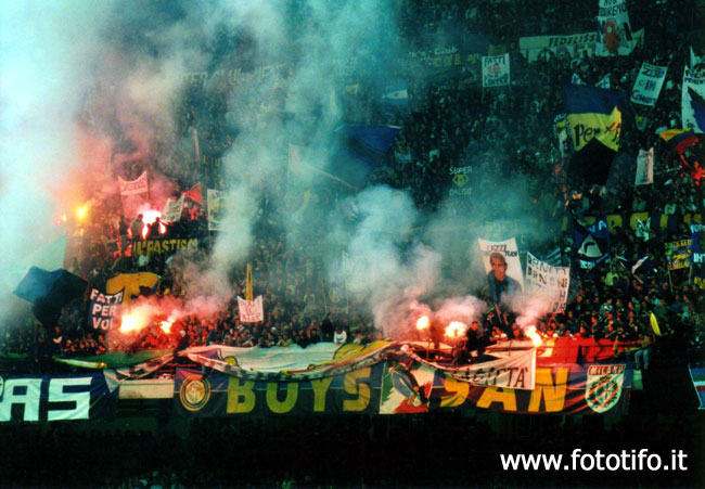 derby italiens - Page 2 20012035