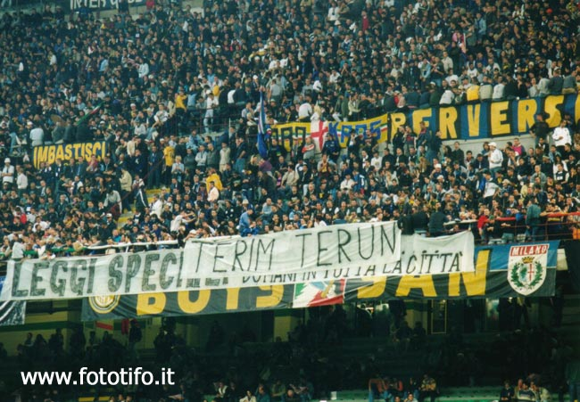 derby italiens - Page 2 20012038