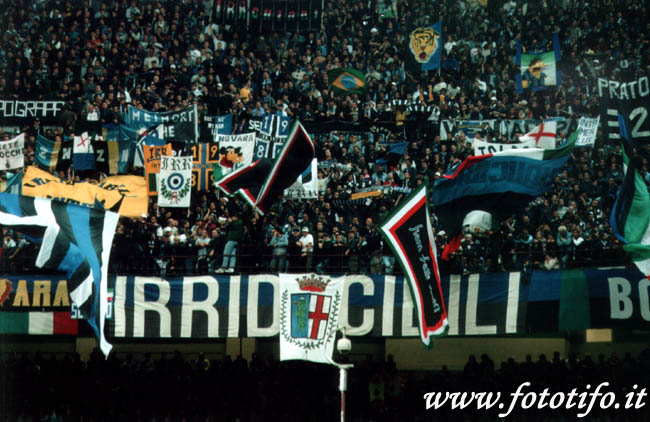 derby italiens - Page 2 20012040