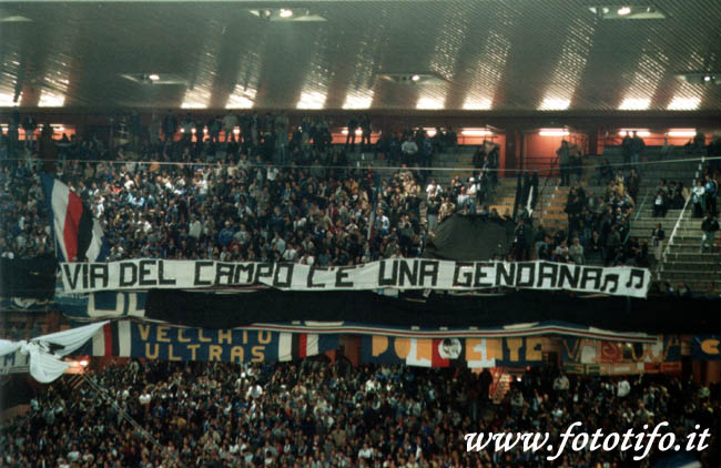derby italiens - Page 2 20012082
