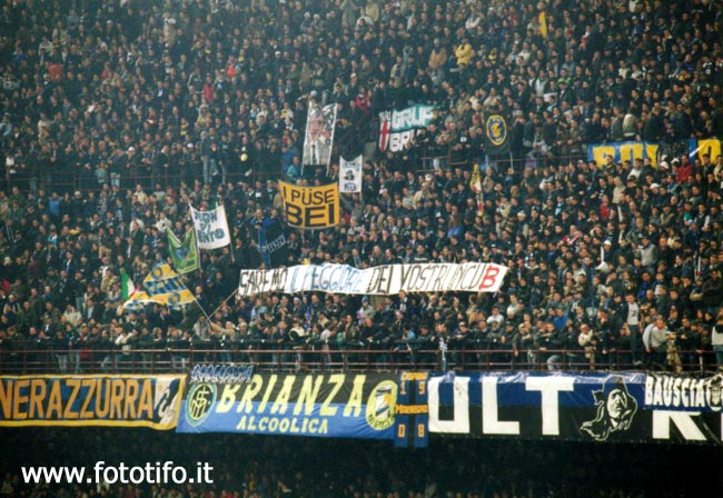 derby italiens - Page 2 20012121