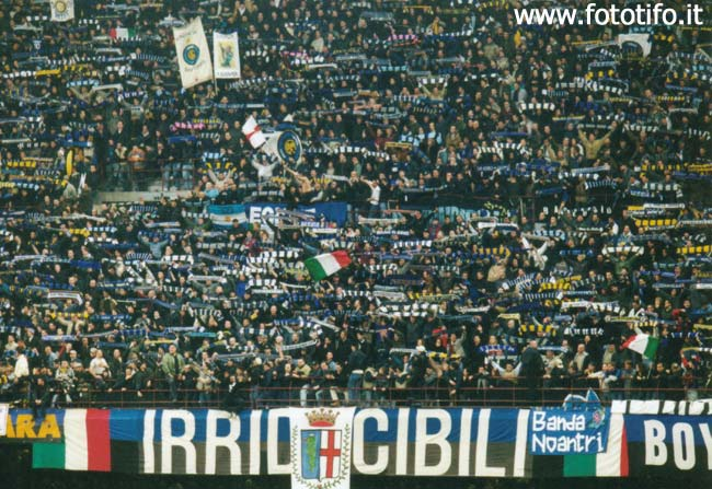 derby italiens - Page 2 20012128