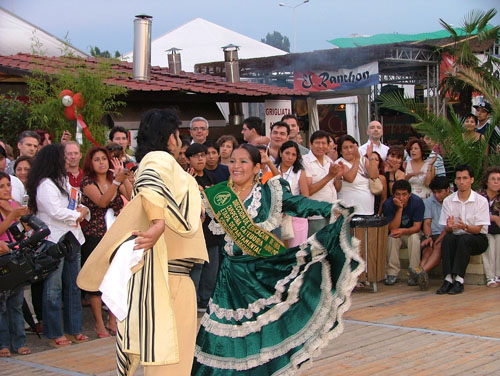 ULISES: TU FIESTA DE CUMPLEAÑOS. - Página 2 Danza10