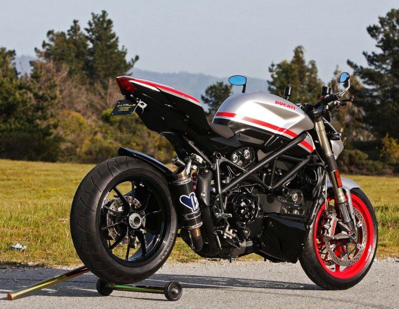 Ducati 848 Streetfighter 2012... Big_du11