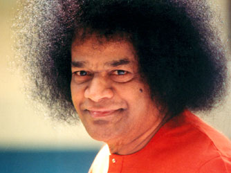 DARSHAN WITH SATHYA SAI BABA Cid_1310
