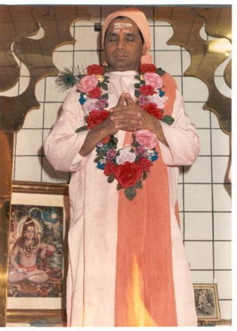 Let all your Thoughts Revolve ~ Swami Omkarananda Gurude10