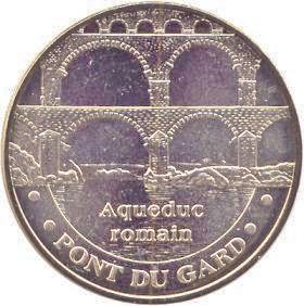 Vers Pont-du-gard (30210) 30_aqu10