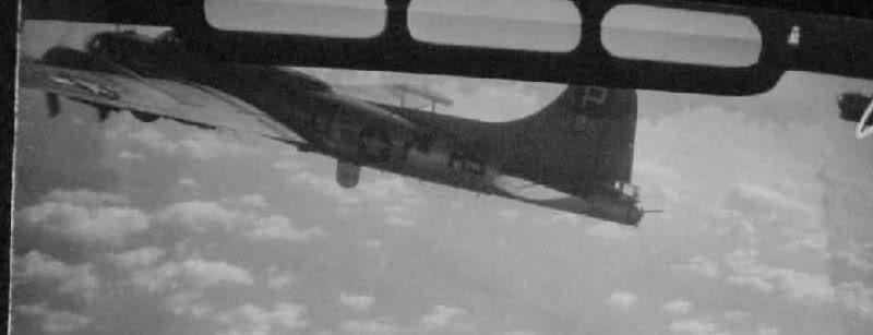 Recherche d'info sur le B-17G The Tarheel Lemon - Page 2 2xant10