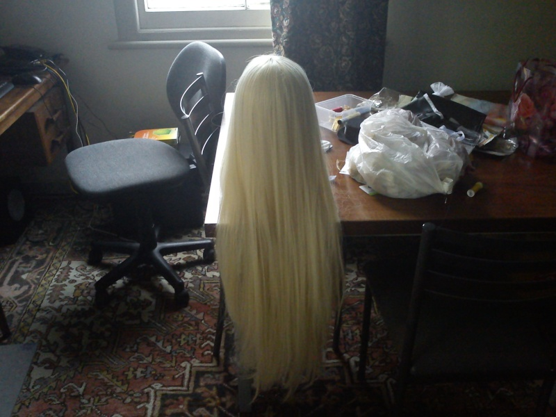 [Buyer] Wanted: Long Blonde or white wig Dsc00011