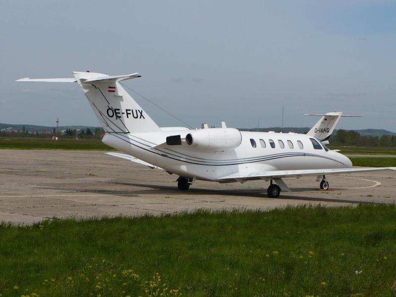 Avioane business Oe-fux10