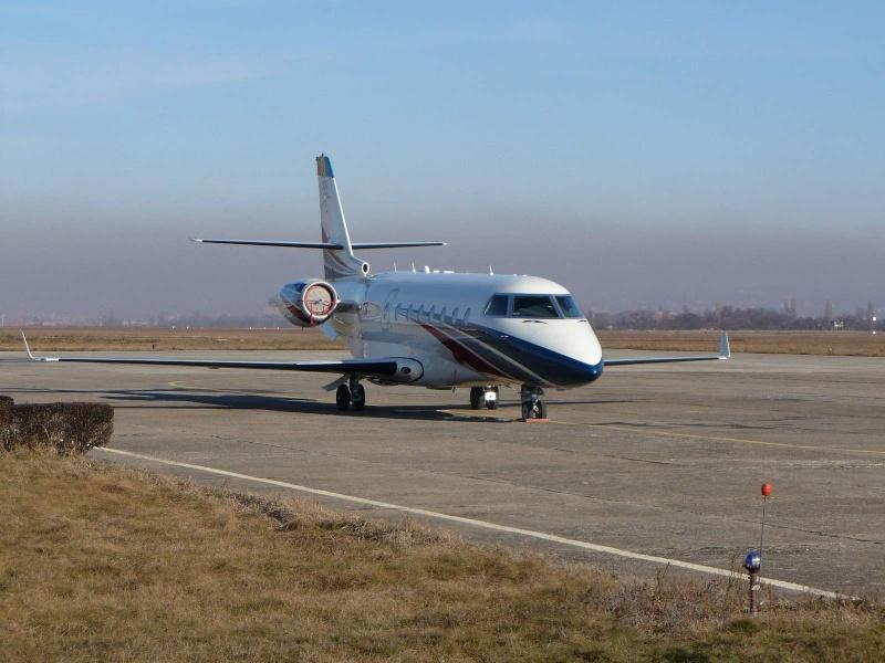 Avioane business Yr-tii10