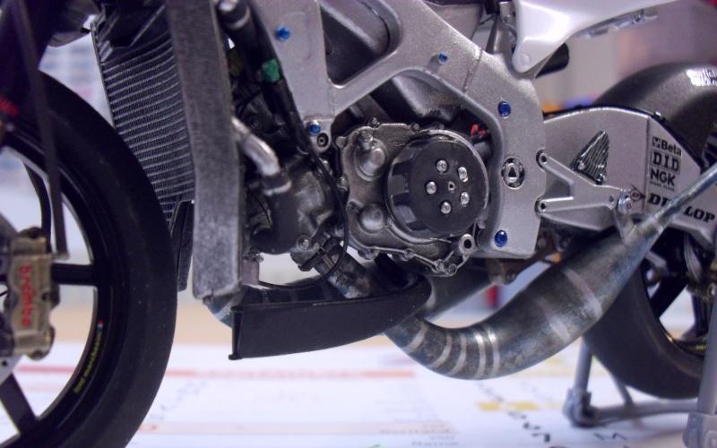 honda RS 250RW 2009 (la dernière 250 championne du monde) Sam_3342