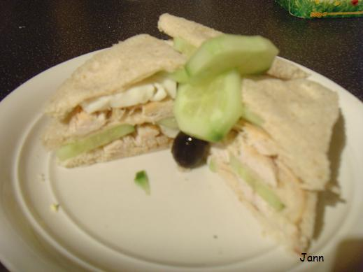 Sanduiche dupla de frango e ovo Foto_111