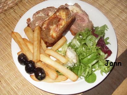 Rolo de carne panado Sdc12928