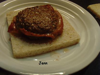 Sandes de hamburguer com bacon e queijo Snv32051