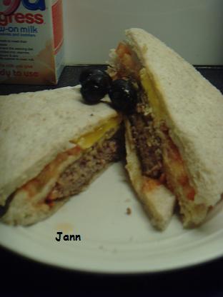 Sandes de hamburguer com bacon e queijo Snv32054