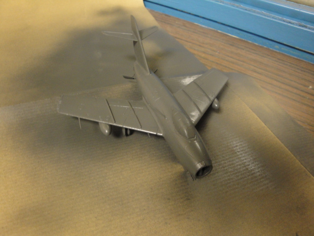 "[Hobby Boss] Mig 15 ""Normandie Niémen"" ( what-if ) fini 00124"