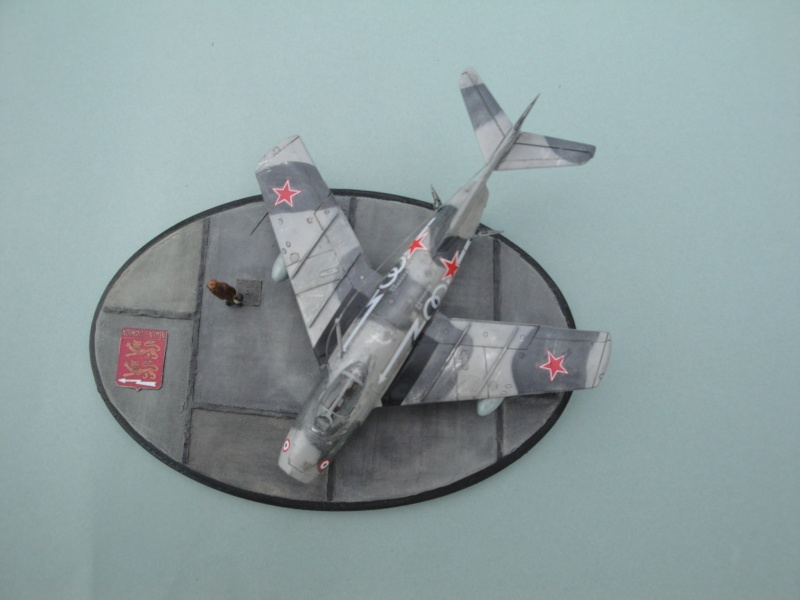 "[Hobby Boss] Mig 15 ""Normandie Niémen"" ( what-if ) fini 00125"