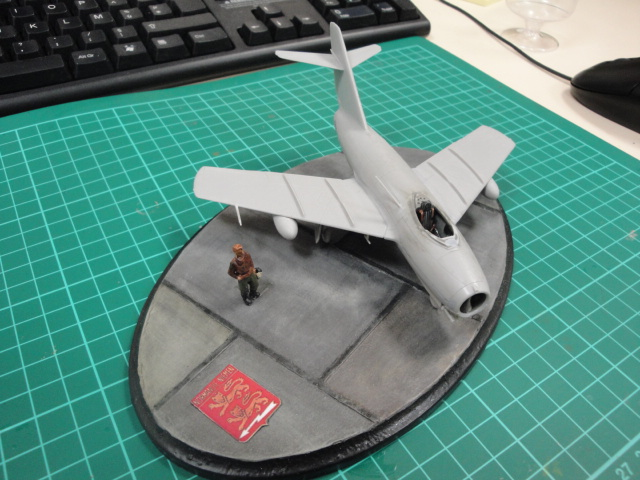 "[Hobby Boss] Mig 15 ""Normandie Niémen"" ( what-if ) fini 00620"
