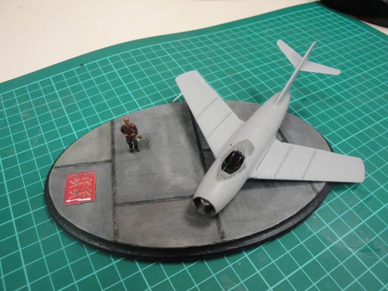 "[Hobby Boss] Mig 15 ""Normandie Niémen"" ( what-if ) fini 05811"