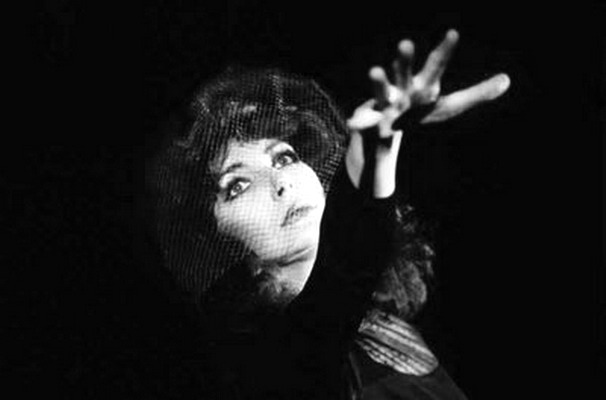 Photos Kate Bush - Page 8 40099310