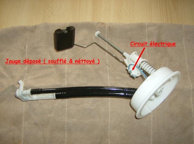 [Moteur M41] Pompe de gavage + jauge de gasoil Depose12