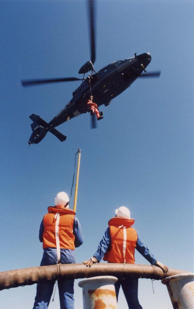 [ Aéronavale divers ] Hélicoptère DAUPHIN - Page 2 Heli-013