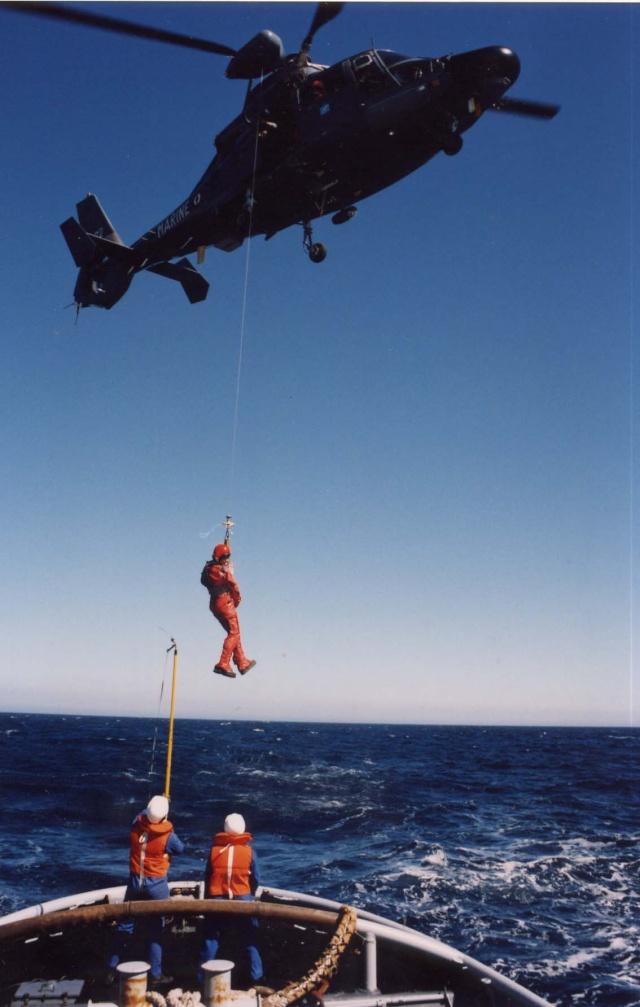 [ Aéronavale divers ] Hélicoptère DAUPHIN - Page 2 Heli-014