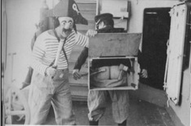[ Les traditions dans la Marine ] LE PASSAGE DE LA LIGNE - ÉQUATEUR (Sujet unique) - Page 6 Mon_cu10