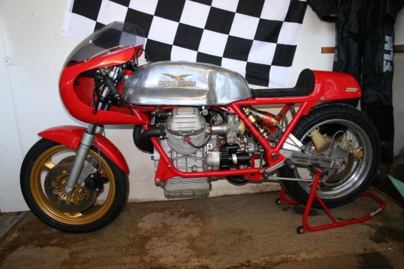 Le plus bô racer guzzi,a mon avis.... V7race10