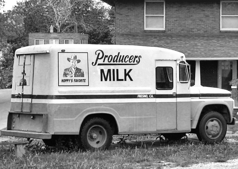 Milk Truck from the 40's & 50's Img_0311