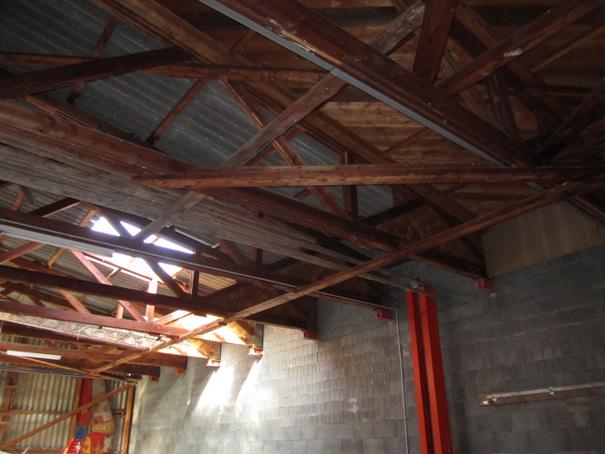 Pendre son MCR sous le toit d'un hangar Img_1211