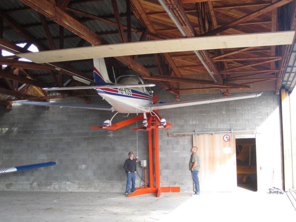 Pendre son MCR sous le toit d'un hangar Img_1212