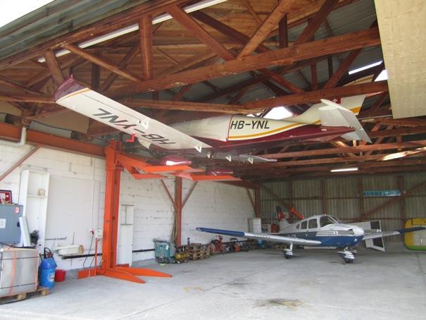 Pendre son MCR sous le toit d'un hangar Img_1214