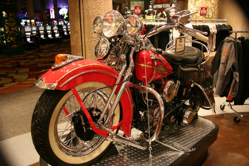 Les vieilles Harley......... (ante 84) - Page 38 Img_8812