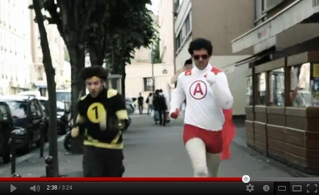 """[Vidéo] """"Les Super Metro"""" avec des Frenchnerdiens (2012) - Page 2 Insia10"""