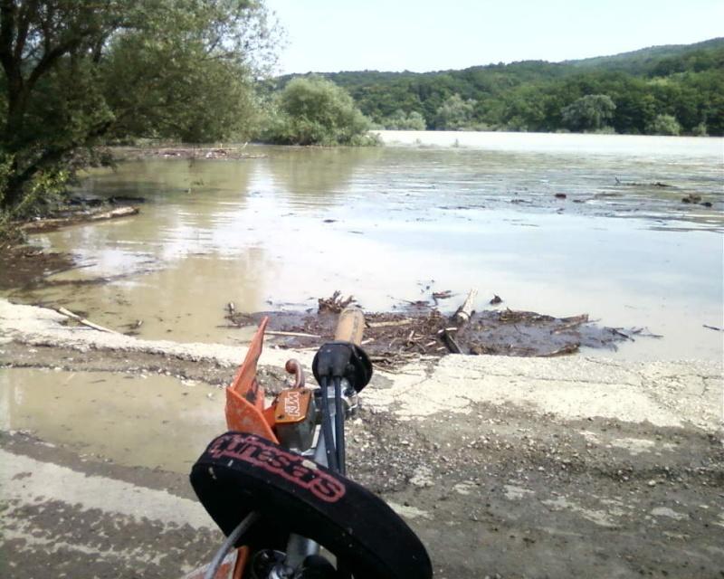 Inondations: les Russes cherchent des responsables - par Pierre Avril et les autres... 30960110