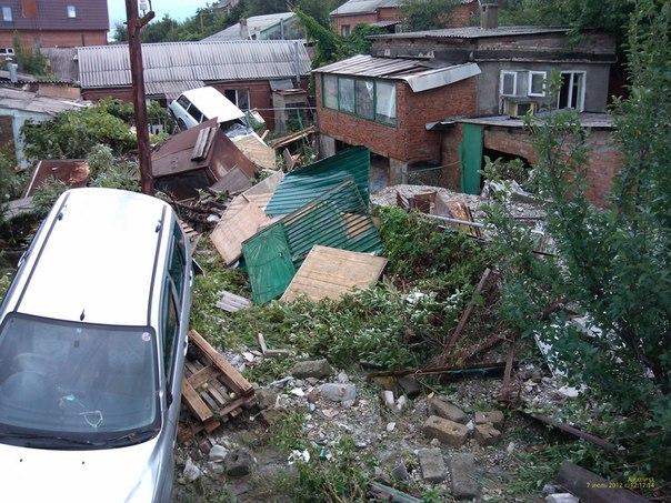 Inondations: les Russes cherchent des responsables - par Pierre Avril et les autres... Cuesrd10