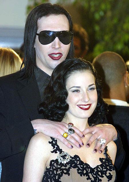 Trumpai apie gotus Manson10