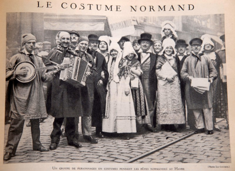 durécu - En possession de documents familliaux sur P Durécu / Recherche de stèle / Troupe de danse normande Costum10