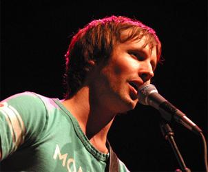 James Blunt këndon në Tiranë James-11